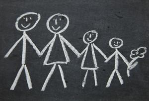 Familie mit Kreide gemalt